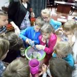 Dzień organizacyjny - zabawa i eksperymenty